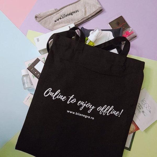 summer-beauty-bag